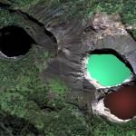 Three_lakes_of_Kelimutu1