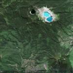 Цветные озера Келимуту. Вид со спутника (фото из Интернета)