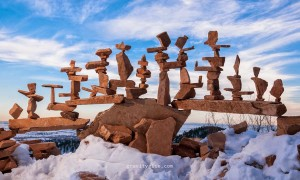 Майкл Граб и его композиции из уравновешенных камней