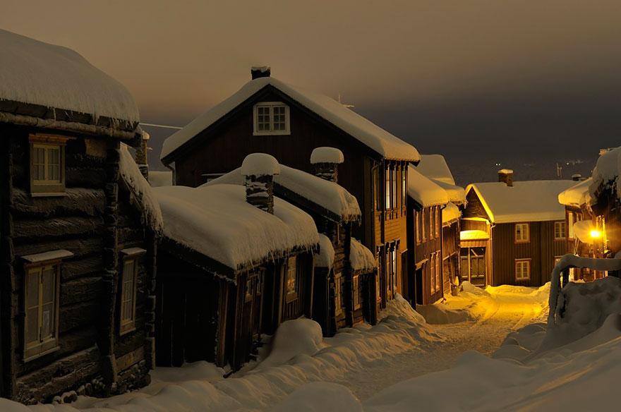 Зимняя сказка на улице Рёрос