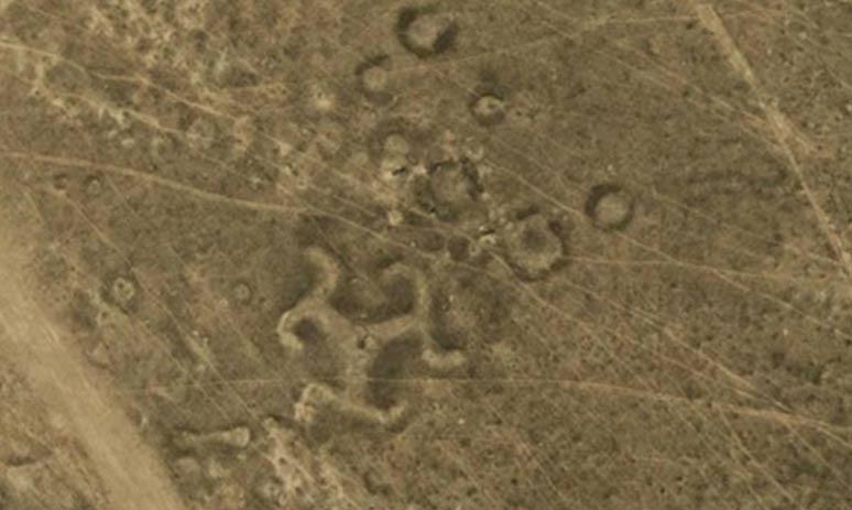 Геоглиф-свастика в Казахстане