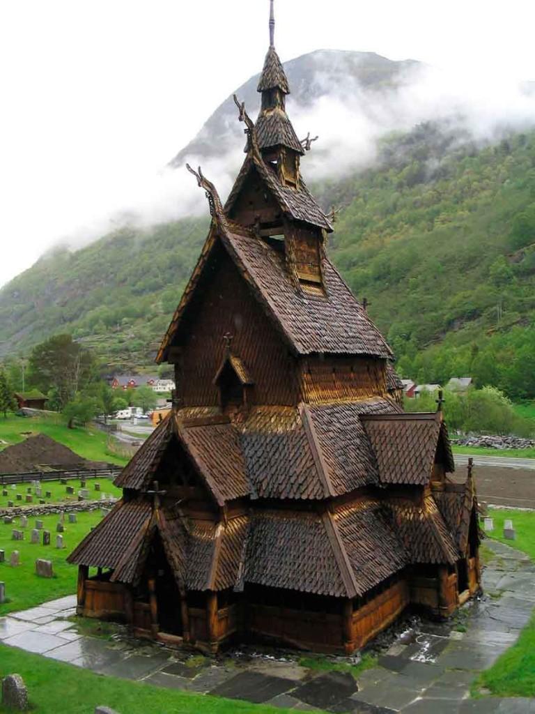 Ступенчатая церковь Borgund
