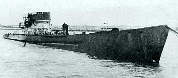 U-530 в аргентинском порту Мар-дель-Плата летом 1945 года (фото с сайта korrespondent.net)