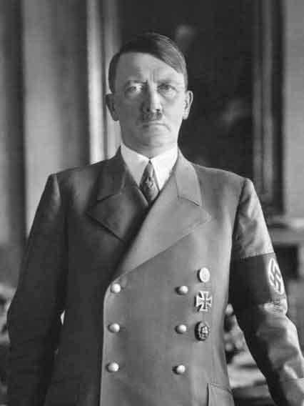 Портрет Адольфа Гитлера. (Фото Bundesarchiv, Bild 183-H1216-0500-002 / CC-BY-SA)